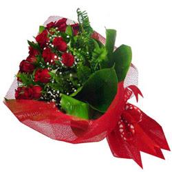 Kahramanmaraş hediye çiçek yolla  12 adet kirmizi essiz gül buketi - SEVENE ÖZEL
