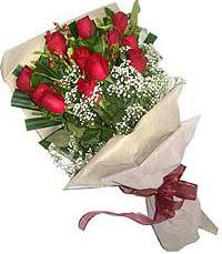 11 adet kirmizi güllerden özel buket  Kahramanmaraş güvenli kaliteli hızlı çiçek