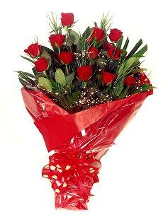 12 adet kirmizi gül buketi  Kahramanmaraş kaliteli taze ve ucuz çiçekler