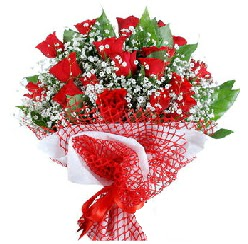 11 kırmızı gülden buket  Kahramanmaraş çiçek yolla