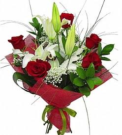1 dal kazablanka 5 kırmızı gül buketi  Kahramanmaraş hediye çiçek yolla