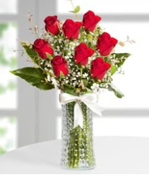 7 Adet vazoda kırmızı gül sevgiliye özel  Kahramanmaraş çiçek servisi , çiçekçi adresleri