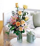 Kahramanmaraş 14 şubat sevgililer günü çiçek  cam yada mika vazo içerisinde gül kazablanka