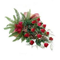 Kahramanmaraş online çiçekçi , çiçek siparişi  10 adet kirmizi gül özel buket çiçek siparisi