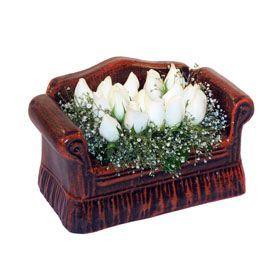 seramik içerisinde 11 gül  Kahramanmaraş hediye sevgilime hediye çiçek