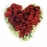 kalp biçiminde 15 gülden   Kahramanmaraş çiçekçi mağazası