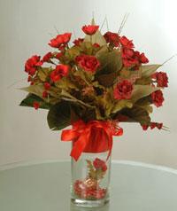 yapay güllerden vazo  9 gül  Kahramanmaraş çiçek gönderme sitemiz güvenlidir