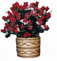 yapay kirmizi güller sepeti   Kahramanmaraş hediye çiçek yolla