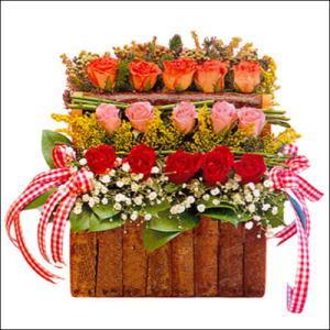 sandikta 3 kat güllerden   Kahramanmaraş İnternetten çiçek siparişi