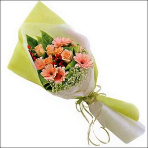 sade güllü buket demeti  Kahramanmaraş çiçek online çiçek siparişi