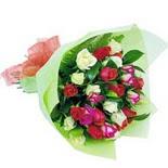 12 adet renkli gül buketi   Kahramanmaraş çiçek siparişi vermek