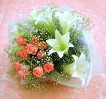 Kahramanmaraş online çiçek gönderme sipariş  lilyum ve 7 adet gül buket