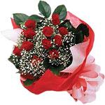 Kahramanmaraş çiçek mağazası , çiçekçi adresleri  KIRMIZI AMBALAJ BUKETINDE 12 ADET GÜL