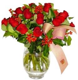 Kahramanmaraş çiçek online çiçek siparişi  11 adet kirmizi gül  cam aranjman halinde