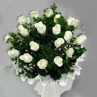 Kahramanmaraş hediye sevgilime hediye çiçek  11 adet beyaz gül buketi ve bembeyaz amnbalaj