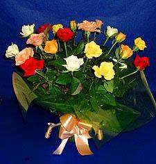 Kahramanmaraş hediye sevgilime hediye çiçek  13 adet karisik renkli güller