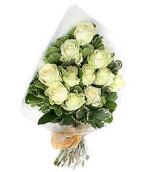Kahramanmaraş internetten çiçek satışı  12 li beyaz gül buketi.
