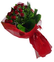 Kahramanmaraş çiçek siparişi vermek  10 adet kirmizi gül demeti