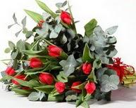 Kahramanmaraş uluslararası çiçek gönderme  11 adet kirmizi gül buketi özel günler için