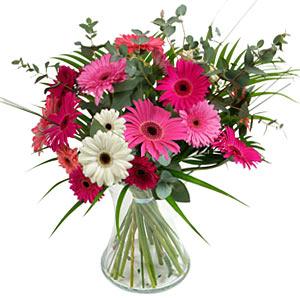 15 adet gerbera ve vazo çiçek tanzimi  Kahramanmaraş online çiçekçi , çiçek siparişi