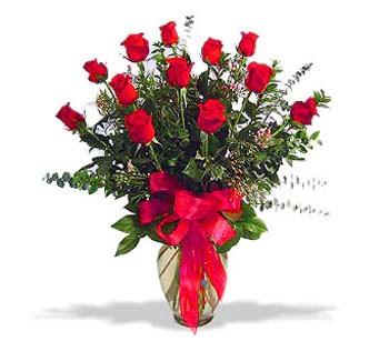 çiçek siparisi 11 adet kirmizi gül cam vazo  Kahramanmaraş online çiçekçi , çiçek siparişi