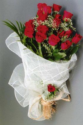 10 adet kirmizi güllerden buket çiçegi  Kahramanmaraş çiçek siparişi sitesi