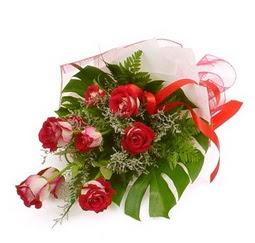 Çiçek gönder 9 adet kirmizi gül buketi  Kahramanmaraş yurtiçi ve yurtdışı çiçek siparişi