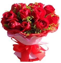 9 adet kirmizi güllerden kipkirmizi buket  Kahramanmaraş kaliteli taze ve ucuz çiçekler
