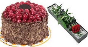 1 adet yas pasta ve 1 adet kutu gül  Kahramanmaraş çiçek gönderme sitemiz güvenlidir