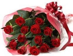 Kahramanmaraş çiçek gönderme  10 adet kipkirmizi güllerden buket tanzimi
