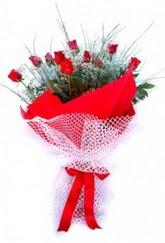 Kahramanmaraş internetten çiçek siparişi  9 adet kirmizi gül buketi demeti