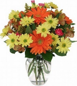 Kahramanmaraş çiçekçi telefonları  vazo içerisinde karışık mevsim çiçekleri