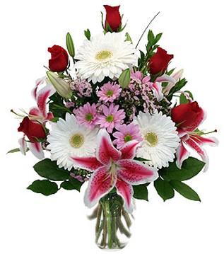 Kahramanmaraş ucuz çiçek gönder  1 dal kazablanka 5 gül ve kırçiçeği vazosu