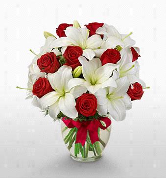 Kahramanmaraş hediye sevgilime hediye çiçek  1 dal kazablanka 11 adet kırmızı gül vazosu