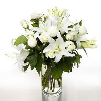 Kahramanmaraş çiçek siparişi vermek  1 dal cazablanca 7 adet beyaz gül vazosu