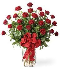 Sevgilime sıradışı hediye güller 24 gül  Kahramanmaraş çiçek yolla