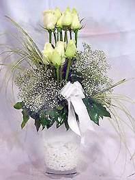 Kahramanmaraş online çiçekçi , çiçek siparişi  9 adet vazoda beyaz gül - sevdiklerinize çiçek seçimi