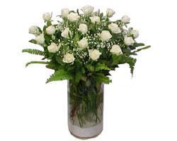 Kahramanmaraş çiçek siparişi sitesi  cam yada mika Vazoda 12 adet beyaz gül - sevenler için ideal seçim