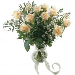Vazoda 8 adet beyaz gül  Kahramanmaraş çiçek yolla