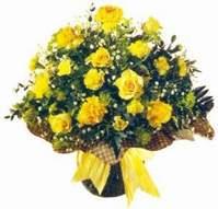 Kahramanmaraş 14 şubat sevgililer günü çiçek  Sari gül karanfil ve kir çiçekleri