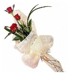3 adet kırmızı gül buketi  Kahramanmaraş çiçekçi mağazası