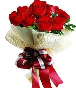 9 adet kırmızı gülden buket tanzimi  Kahramanmaraş çiçek siparişi vermek