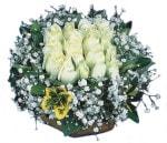 Kahramanmaraş kaliteli taze ve ucuz çiçekler  Beyaz harika bir gül sepeti