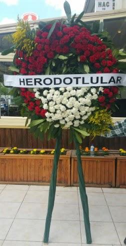 Cenaze çelengi cenazeye çiçek modeli  Kahramanmaraş uluslararası çiçek gönderme
