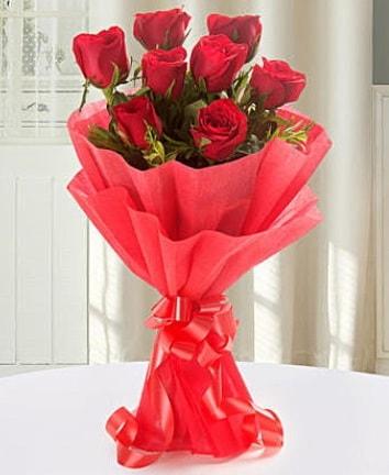 9 adet kırmızı gülden modern buket  Kahramanmaraş internetten çiçek siparişi