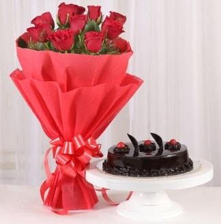 10 Adet kırmızı gül ve 4 kişilik yaş pasta  Kahramanmaraş çiçek mağazası , çiçekçi adresleri